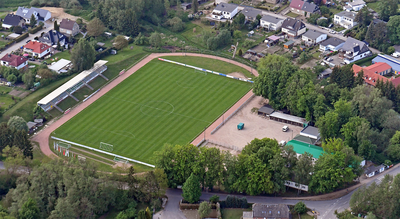 Palmberg Stadion Fc Schönberg 95