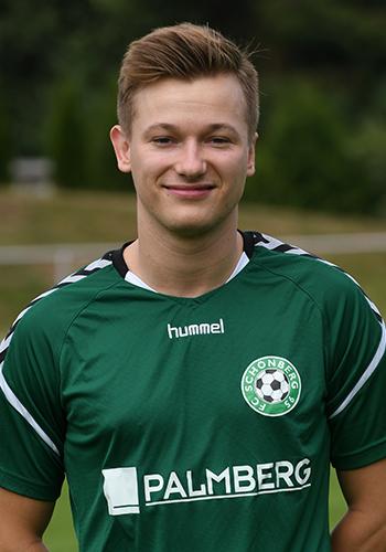 21 Niklas Kahle
