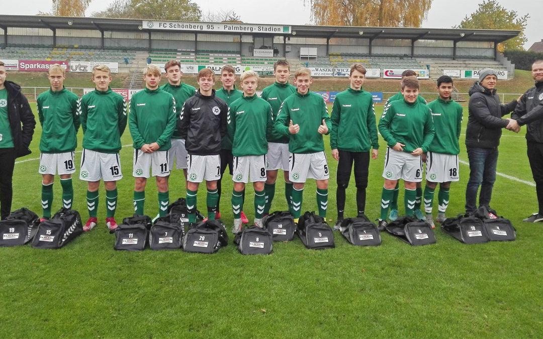 Firma ELMATIC unterstützt die Jugendarbeit des FC 95