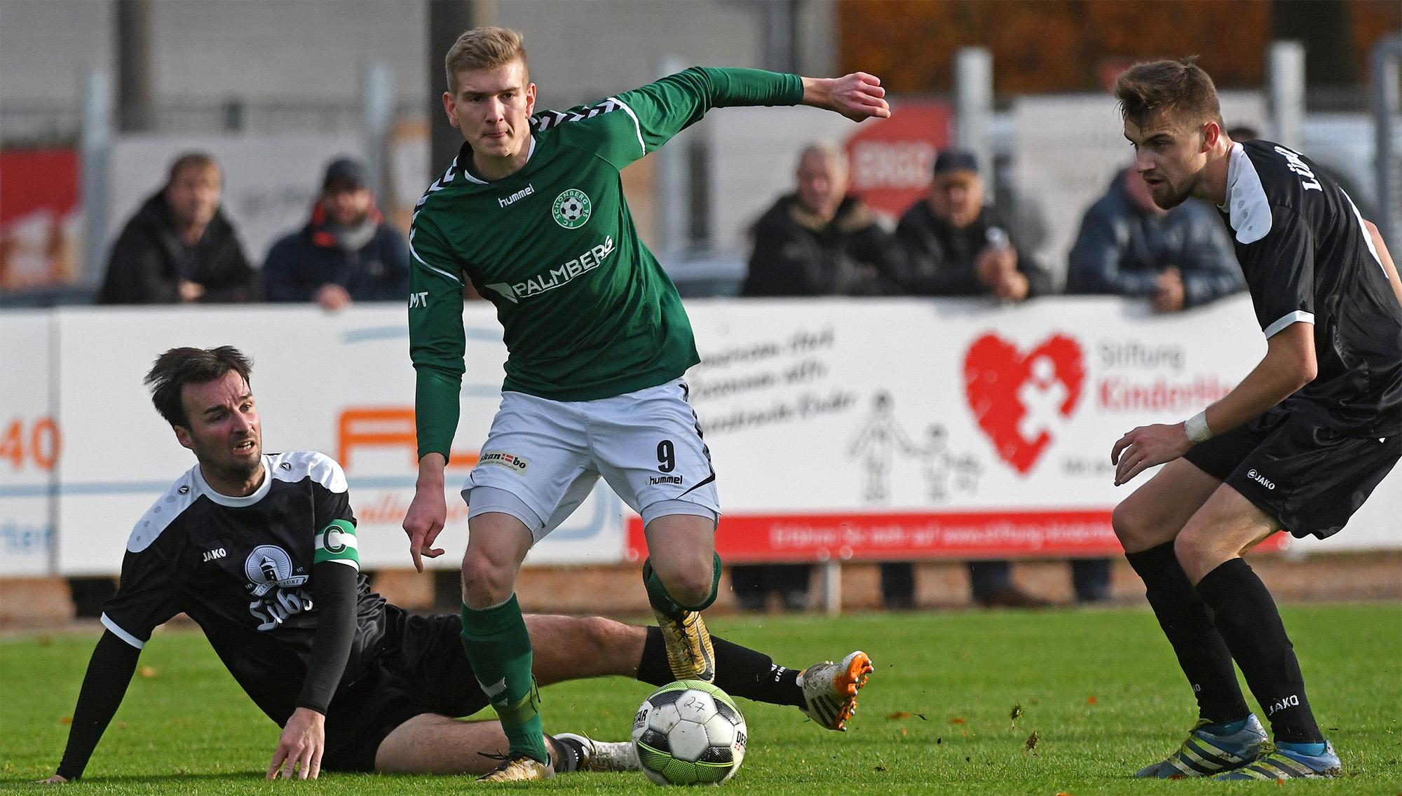 Hendrik Schröter legte das 1:0 für Hannes Komoss auf.