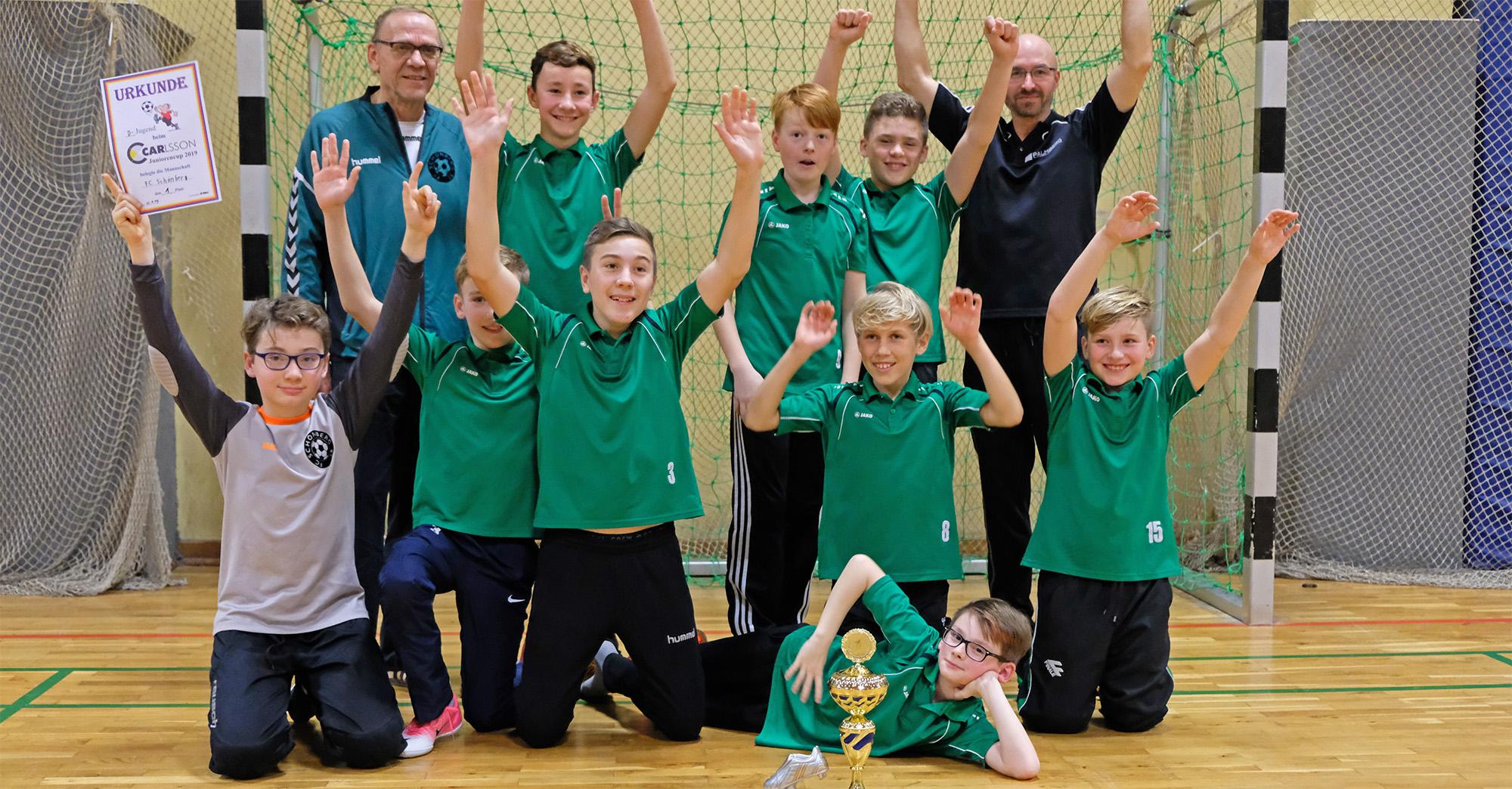 Mit diesem Team gewann die D1, vorn Torschützenkönig Levi Wulff, das Turnier in Rehna.