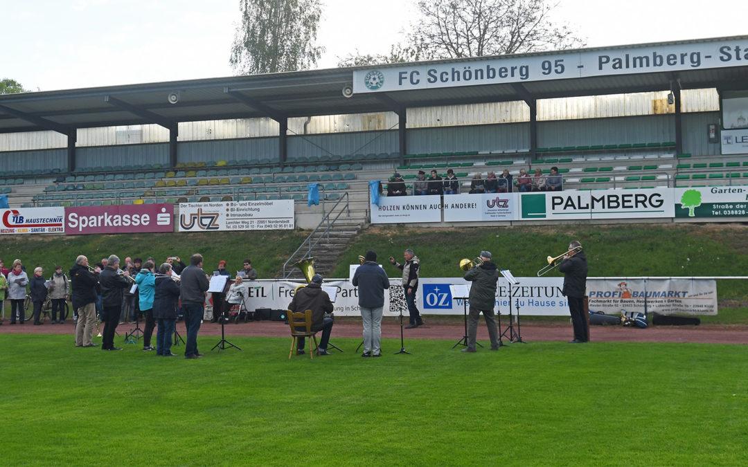 """""""Schönberg singt!"""" im Palmberg-Stadion"""