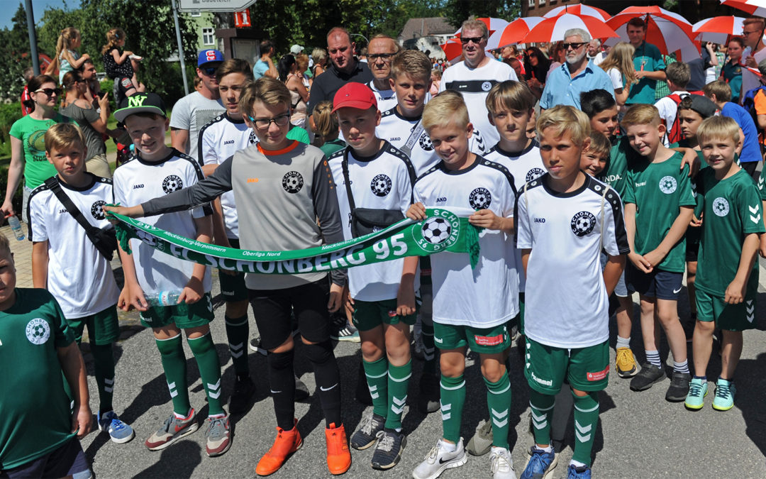 800 Jahre Schönberg – der FC Schönberg 95 feiert mit