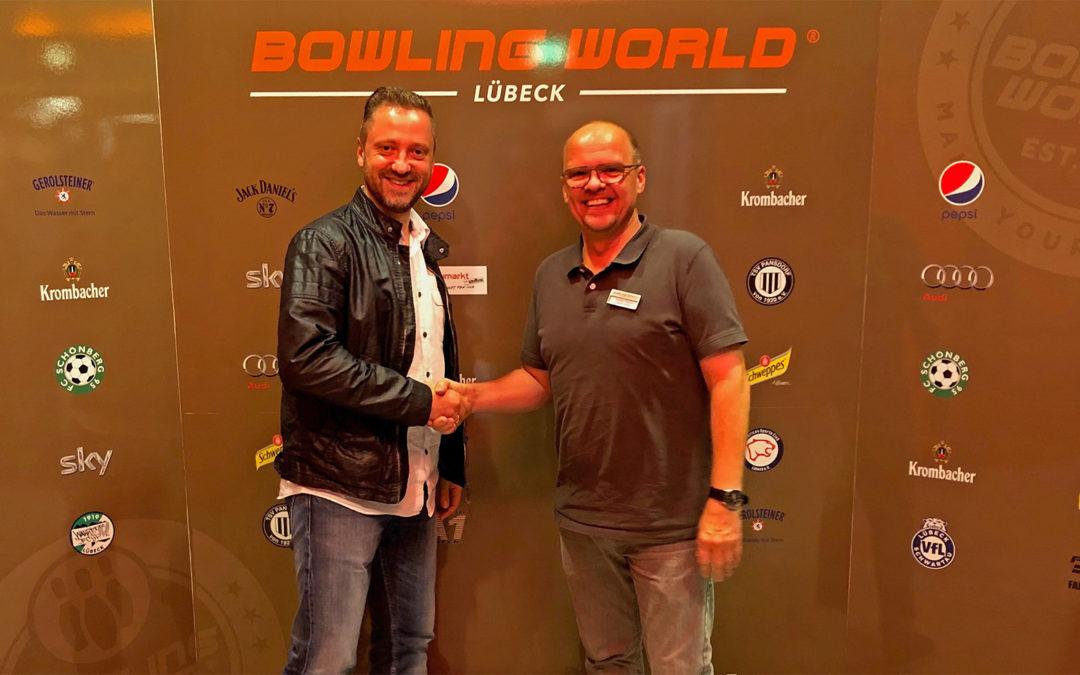 Bowling World und FC Schönberg 95 verlängern Kooperation