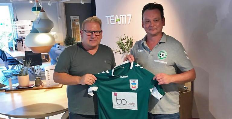FC 95-Trikot findet den Weg nach Kiel
