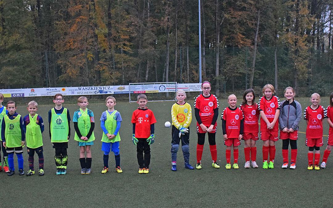 Mädchenmannschaft des FC 95 absolvieren erstes Spiel