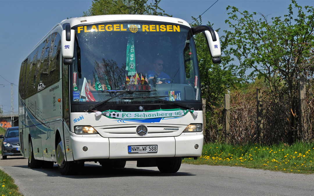 Im Fan-Bus nach Bentwisch